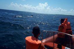 Basarnas Kendari masih mencari penumpang kapal terbakar