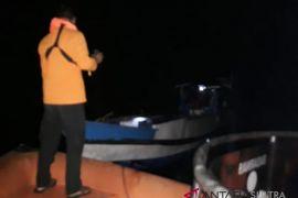 Basarnas selamatkan kapal mati mesin rute Kadatua-Baubau