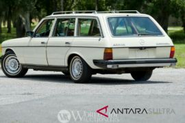 Mercy Estate Wagon, mobil terakhir John Lennon akan dilelang