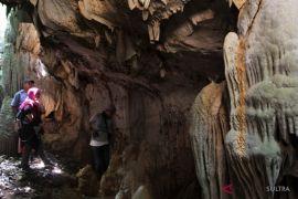 Penemuan Gua Eksotis DI Konawe