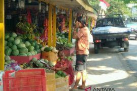 Stabil, harga buah-buahan di Kendari