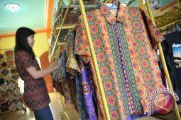 Penjualan batik Palembang meningkat