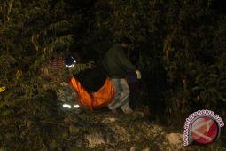 Tiga penambang tewas terjebak dalam lubang