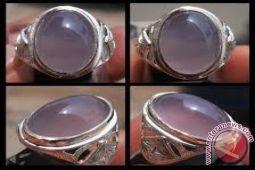 Batu Lavender khas Baturaja masih terus diburu kolektor