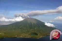 Tradisi mendaki Gunung Gamalama