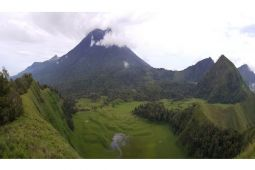 Jalur pendakian Rinjani ditutup akibat gempa bumi