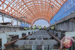 Jalan rusak dampak LRT Palembang segera diperbaiki