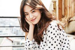 Song Hye-kyo dan para pria di sekitarnya