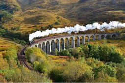 Kereta Harry Potter selamatkan keluarga yang terdampar