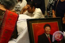 Vokalis legend band Panbers Benny Panjaitan meninggal dunia