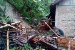 BPBD Sumsel minta masyarakat waspadai bencana longsor