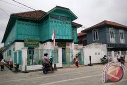 Fasilitas toilet umum dibangun di Kampung Al-Munawar