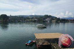 Kampanye aman berlayar di danau Toba