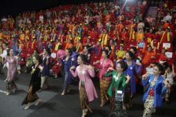Penampilan Flashmob Penari 1000 Kartini Nusantara