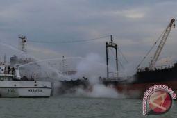 Polda Kalsel selidiki penyebab kebakaran tanker Pertamina