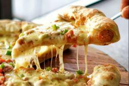 Pesan bentuk pizza sesuai selera di Lacasa Pizza