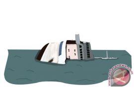 Susi Pudjiastuti tenggelamkan delapan kapal asing