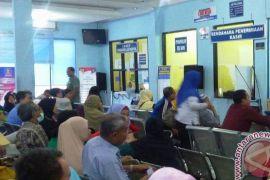 Imigrasi Palembang lembur hadapi lonjakan permohonan paspor
