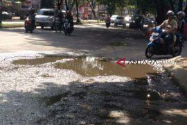 Anggaran perbaikan jalan Palembang belum ideal