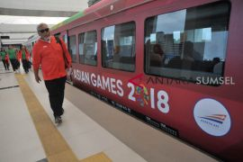Atlet dan ofisial Asian Games jajal LRT