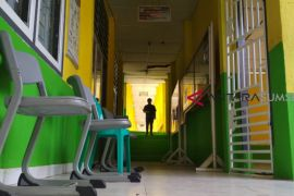 Puluhan siswa dan guru kesurupan, sekolah diliburkan
