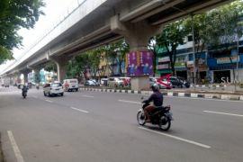 Warga minta jembatan penyeberangan di Jalan Sudirman