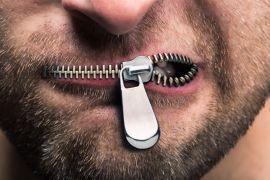 Aksi tutup mulut warnai orasi ilmiah Wapres JK
