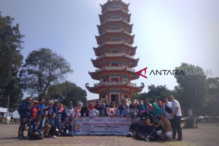 BUMN Hadir - Peserta SMN Jatim berwisata ke Pulau Kemaro