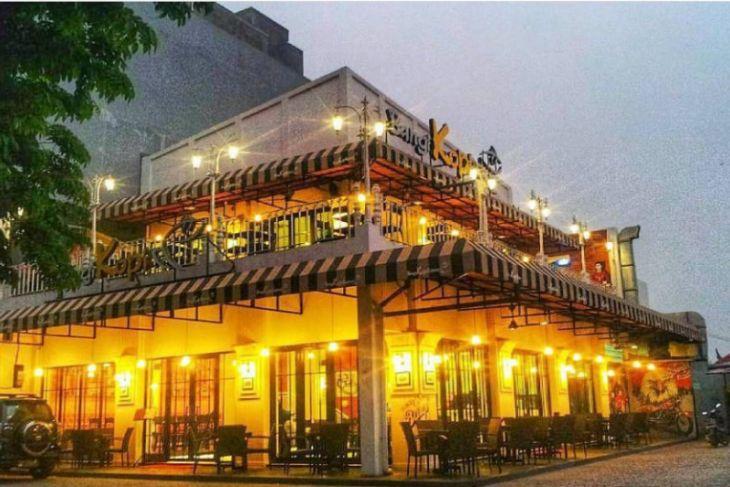 Bangi Kopi, resto nuansa vintage ditengah kota