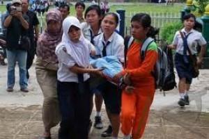 Sembilan Siswi SMK Temanggung Kesurupan