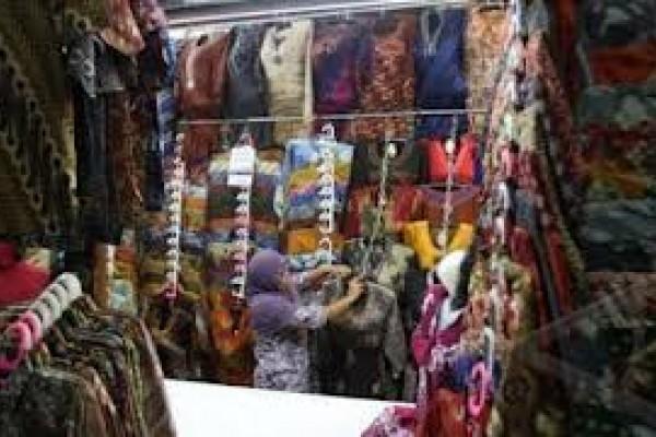 Omzet Pedagang Pasar Klewer Mengalami Penurunan