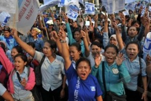 Buruh Semarang Tuntut Penyetaraan Upah Minimum