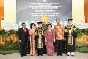 UKSW Anugerahi Jacobus Busono Doktor HC