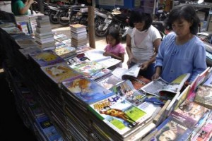 Pedagang Buku Stadion Diponegoro Semarang Segera Direlokasi