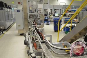 Penyelamatan LInkungan HP 75% Tintanya Dari Plastik Daur Ulang