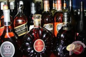Polres Pekolongan Sita Puluhan Botol Miras