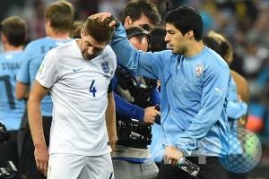 Inggris Diambang Eliminasi, Suarez Man of The Match