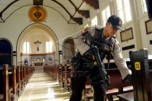 Polrestabes Semarang kawal pelaksanaan ibadah Minggu sore