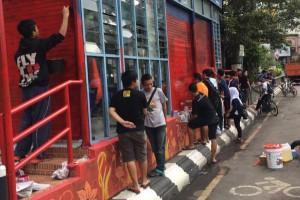Pelajar Adh Dhuha Solo Bersihkan Shelter BST