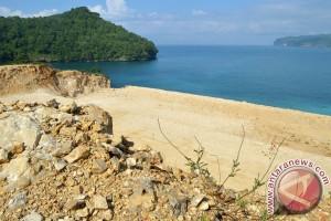 Pengoperasian Pelabuhan Niaga Batang Ditunda