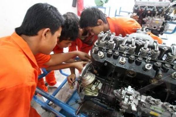 Pengamat: Tingkatkan pelatihan keterampilan bagi angkatan kerja