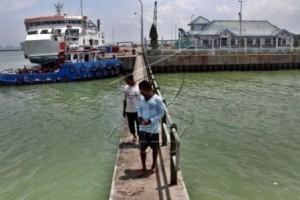 Juliari: serahkan pengelolaan pelabuhan kendal pada ahlinya