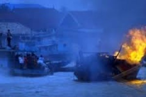 Enam Kapal Nelayan Terbakar
