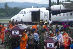 25 Jenazah Korban Trigana tiba di RS Bhayangkara