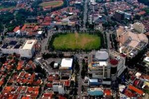 Simpang Lima Semarang Diperindah Taman Bunga