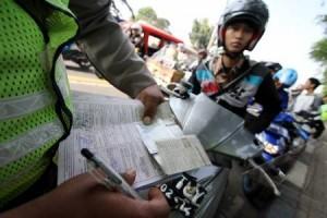 Polisi Tetap Tilang Kendaraan Telat Pajak
