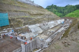 Waduk Logung ditarget selesai September 2018