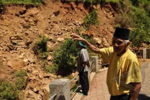Puluhan Warga Kaligesing Diungsikan karena Tanah Bergerak