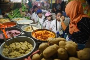Pasar Papringan Angkat Perekonomian dan Alam Desa