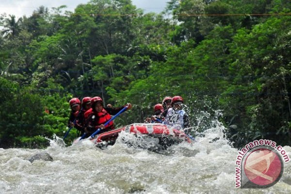 Dua orang tewas saat mengikuti Arum Jeram di Sungai Serayu
